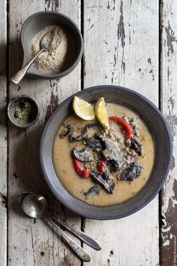 Σούπα με Μανιτάρια, Κόκκινη Πιπεριά και Άγριο Ρύζι στο Slow Cooker (Vegan)