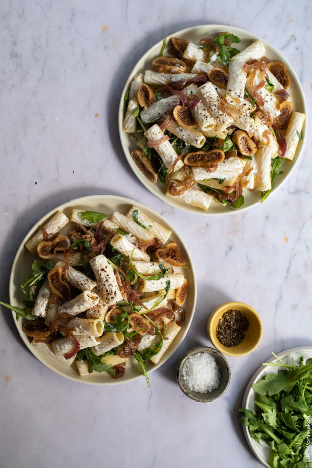 Caramelised Onion, Fig and Fresh Cheese Pasta with Arugula